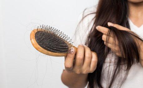 10 odličnih proizvoda protiv opadanja kose